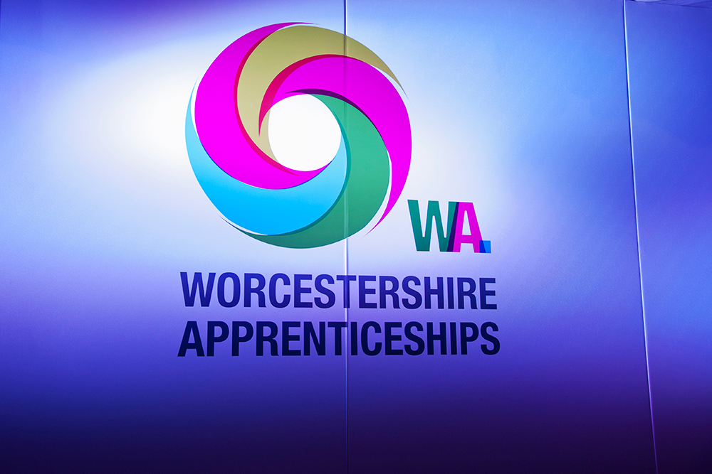 0084APPRENTICESHIP-AWARDS